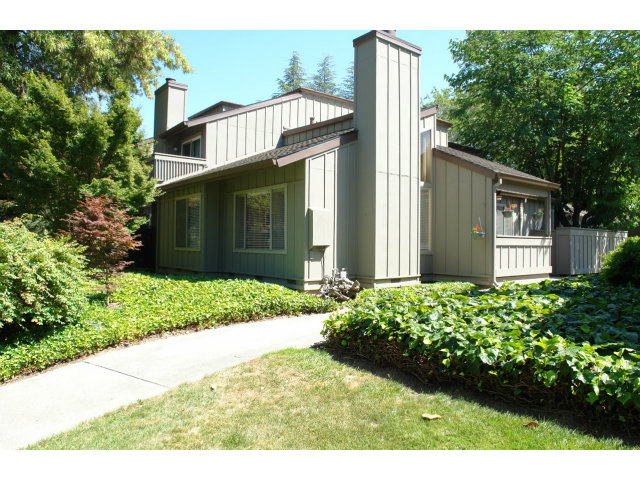 Rental Homes for Rent, ListingId:28505143, location: 121 Spruce Hill CT Los Gatos 95032