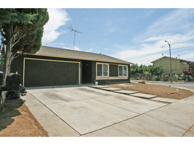 Rental Homes for Rent, ListingId:29293481, location: 3289 LANTERN WY San Jose 95111
