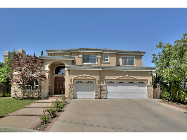 Single Family Home for Sale, ListingId:28447815, location: 10121 CAMINO VISTA DR Cupertino 95014