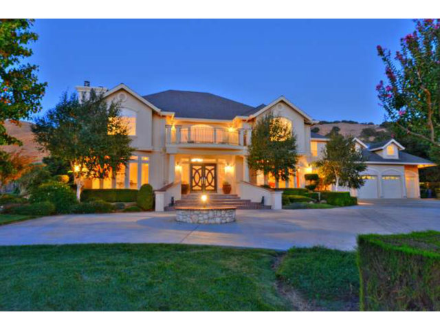 Single Family Home for Sale, ListingId:25526234, location: 2490 HOWELL LN Gilroy 95020