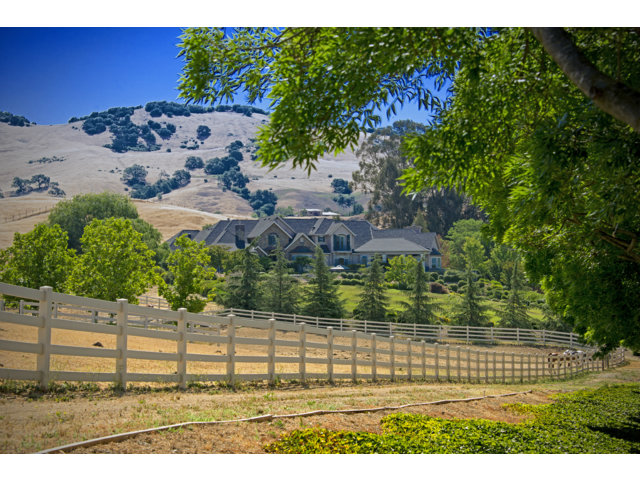 Single Family Home for Sale, ListingId:29168451, location: 2400 HERITAGE MANOR DR Gilroy 95020