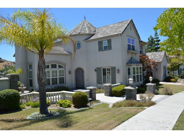 Rental Homes for Rent, ListingId:29259950, location: 2502 BENTLEY RIDGE DR San Jose 95138